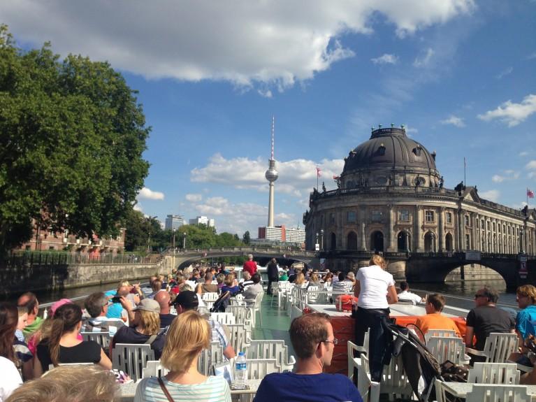 rondvaart over de spree in Berlijn