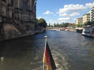 Berliner Dom vanaf de Spree