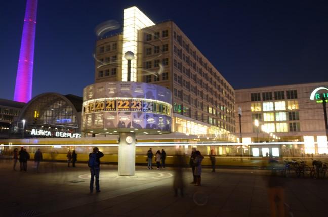 lange belichting Alexanderplatz