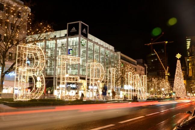 2015-WattedoeninBerlijn - Kerstlichtjes Kurfurstendamm Berlijn-18