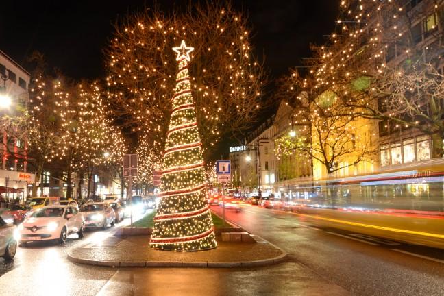 2015-WattedoeninBerlijn - Kerstlichtjes Kurfurstendamm Berlijn-7