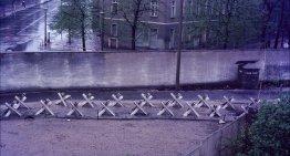 Muurverhalen • Lode Anseel: In de problemen bij Checkpoint Charlie