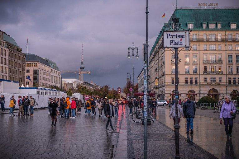Pariser Platz tijdens 30 jaar val van de muur in Berlijn © Wattedoeninberlijn.nl