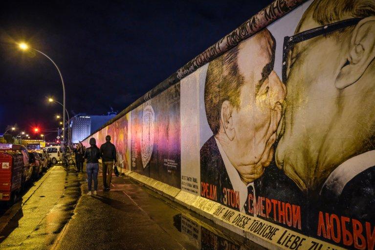 East Side Gallery tijdens 30 jaar val van de muur in Berlijn © Wattedoeninberlijn.nl