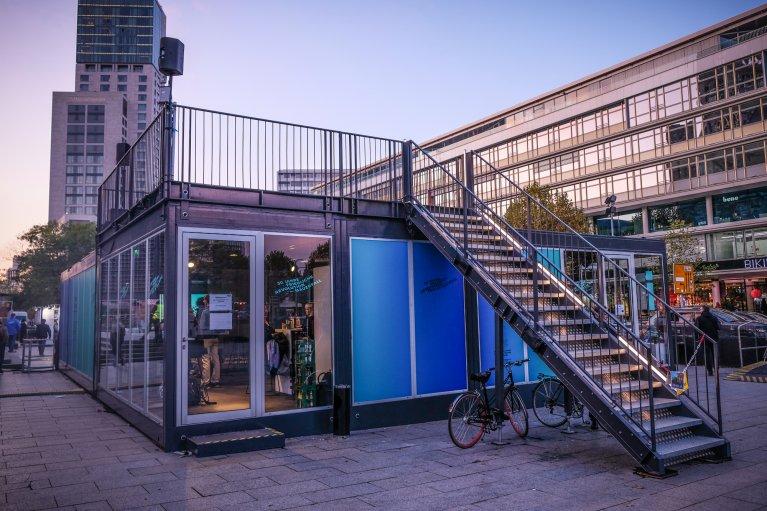 Paviljoen Kurfuerstendamm tijdens 30 jaar val van de muur in Berlijn © Wattedoeninberlijn.nl