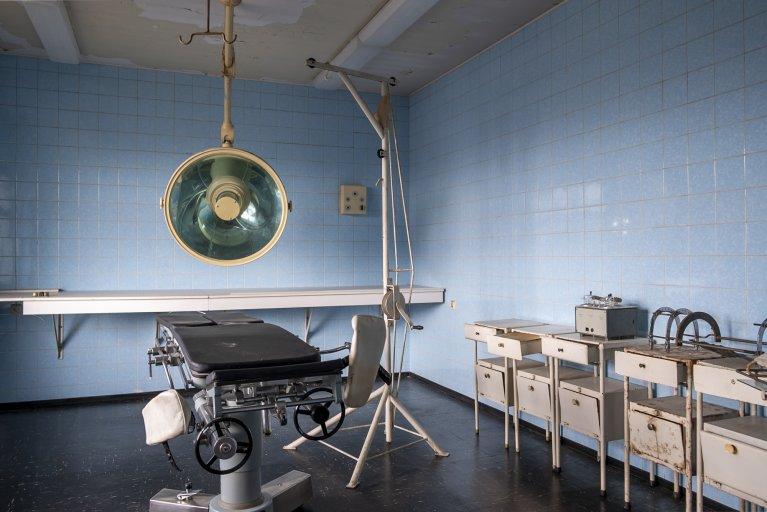 Chirurgie van het gevangenisziekenhuis van de Stasi in Berlijn • Wattedoeninberlijn.nl