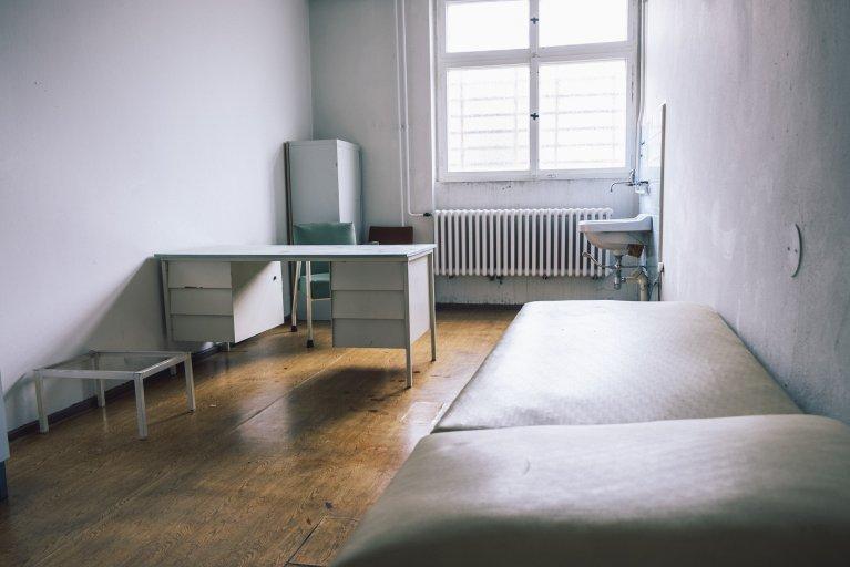 Onderzoekskamer in het gevangenisziekenhuis van de Stasi in Berlijn • Wattedoeninberlijn.nl