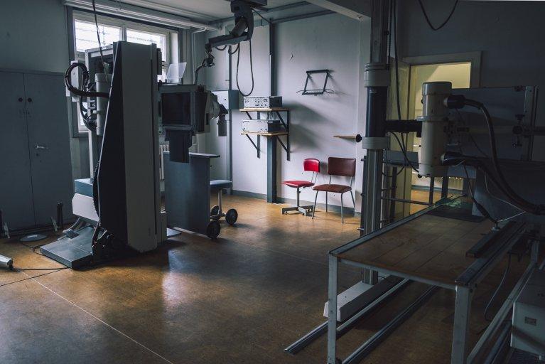 Röntgenafdeling in het gevangenisziekenhuis van de Stasi in Berlijn • Wattedoeninberlijn.nl